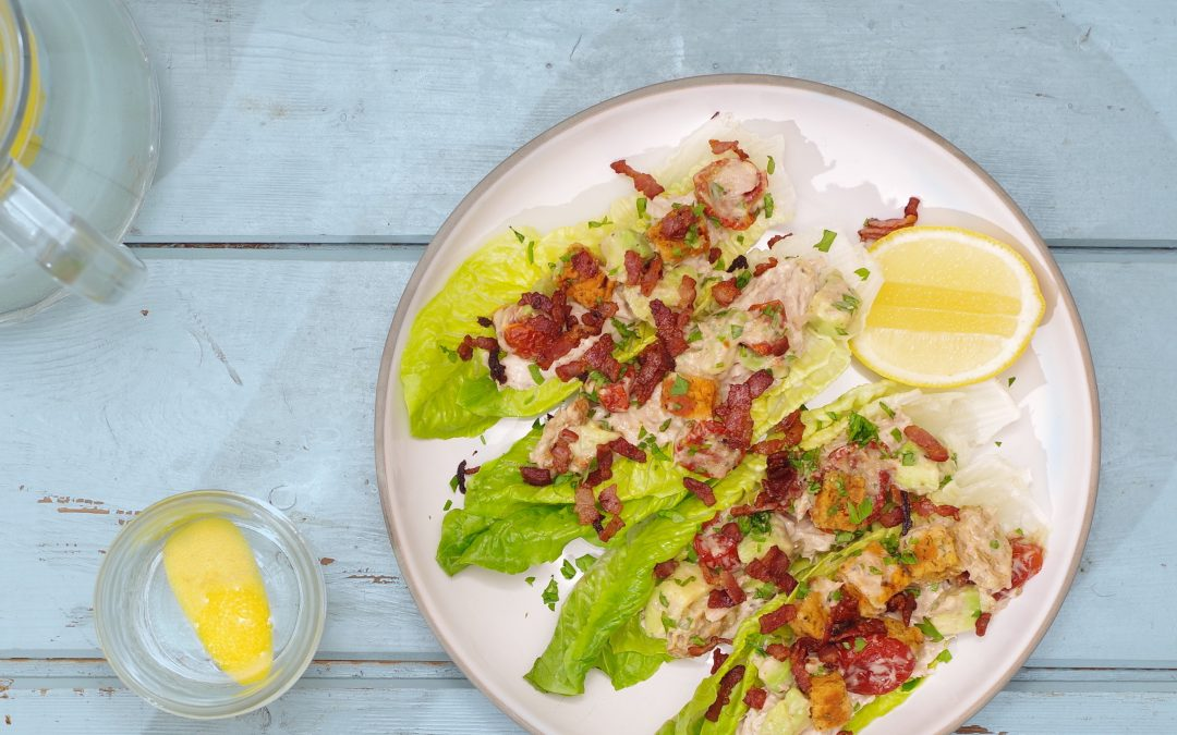 Light Tuna Pâté Lettuce Wraps with Sundried Tomatoes, Croutons and Crispy Bacon